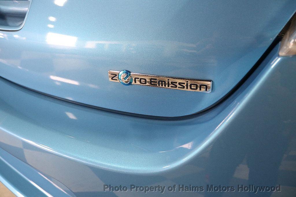 2012 Nissan Leaf  - 17943353 - 6