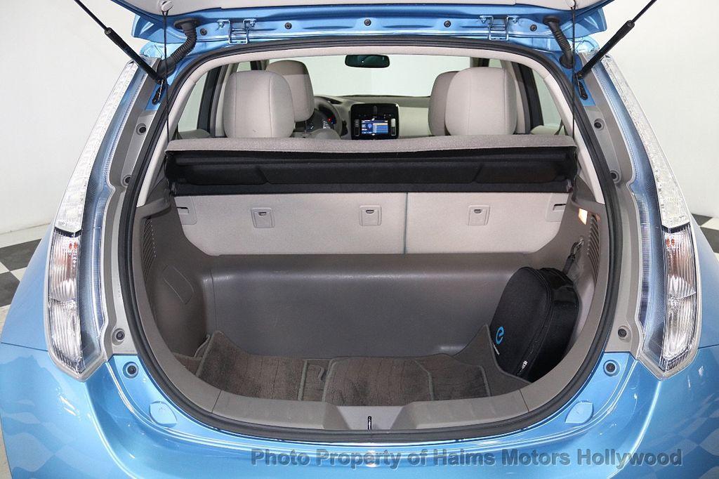 2012 Nissan Leaf  - 17943353 - 8
