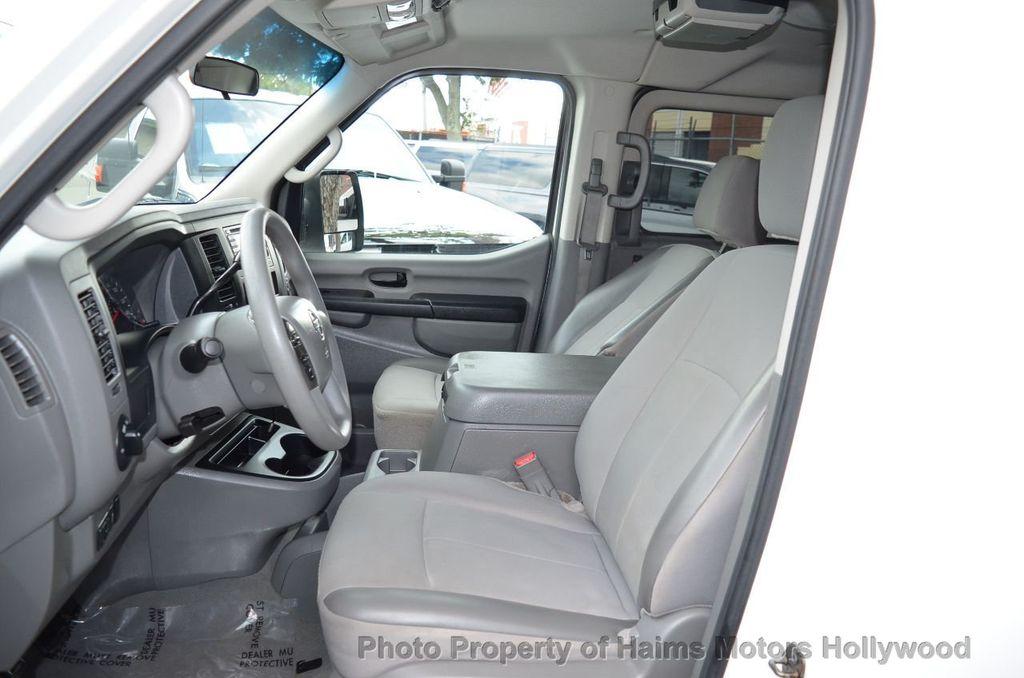 2012 Nissan NVP 3500 V6 SV - 18346487 - 17