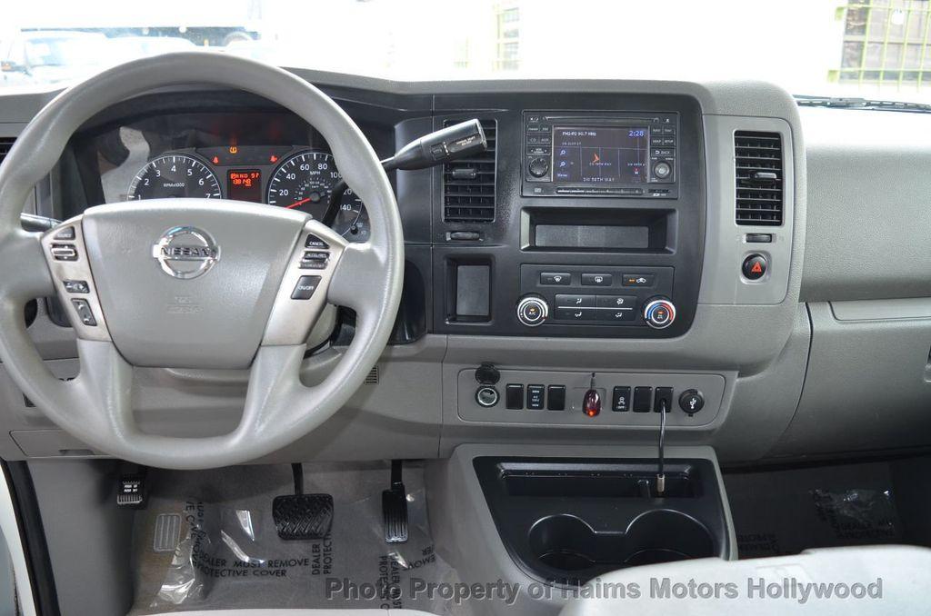 2012 Nissan NVP 3500 V6 SV - 18346487 - 19