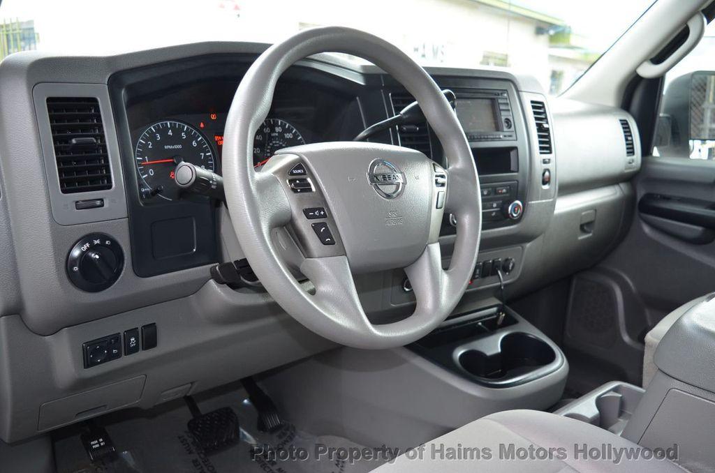 2012 Nissan NVP 3500 V6 SV - 18346487 - 20