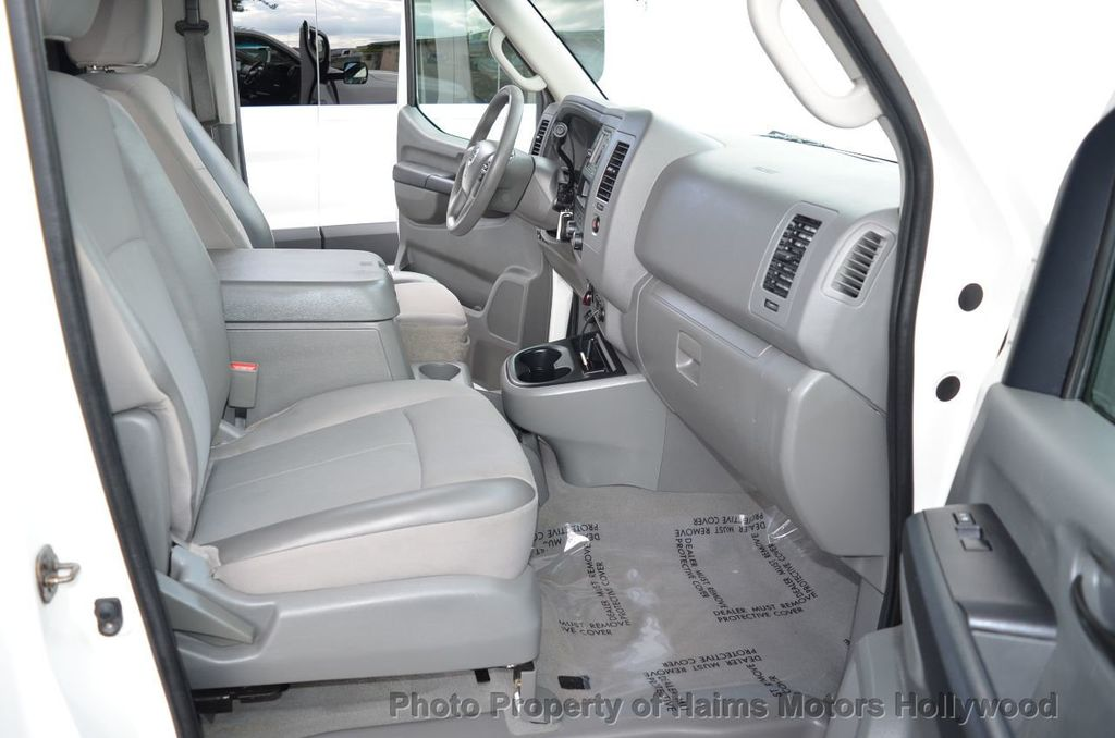 2012 Nissan NVP 3500 V6 SV - 18346487 - 21