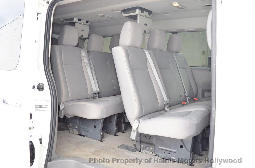 2012 Nissan NVP 3500 V6 SV - 18346487 - 24