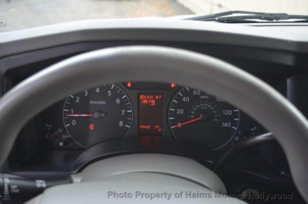 2012 Nissan NVP 3500 V6 SV - 18346487 - 28