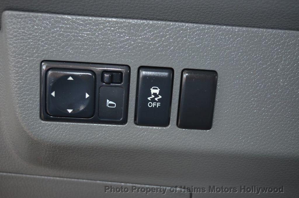 2012 Nissan NVP 3500 V6 SV - 18346487 - 35