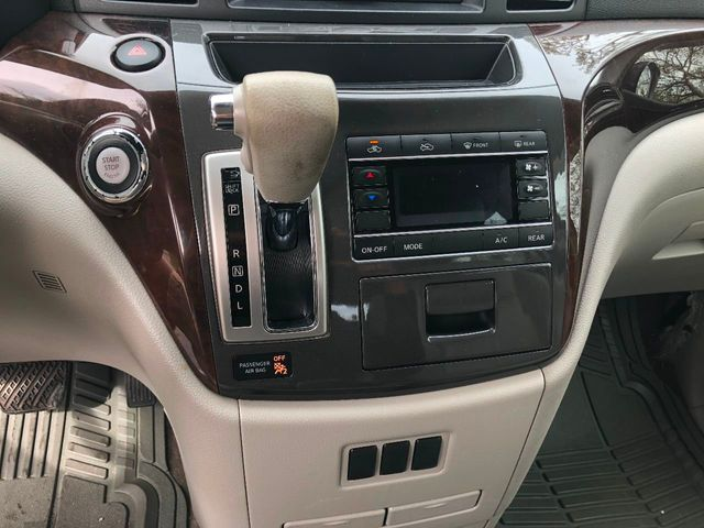 2012 Nissan Quest 4dr SV - Click to see full-size photo viewer