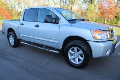 2012 Nissan Titan CREW CAB SV 4X4 ONE OWNER Truck