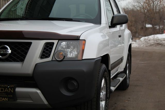 2012 Nissan Xterra 4WD S OFF ROAD - Click to see full-size photo viewer