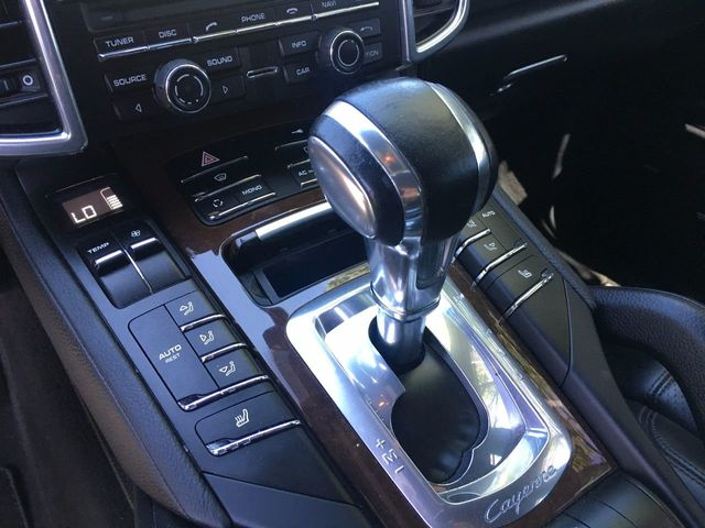 2012 Porsche Cayenne AWD 4dr S - Click to see full-size photo viewer