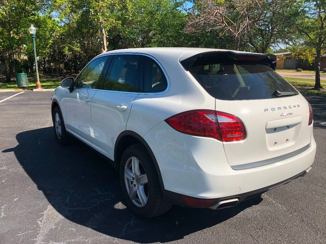 2012 Porsche Cayenne Base Trim - Click to see full-size photo viewer