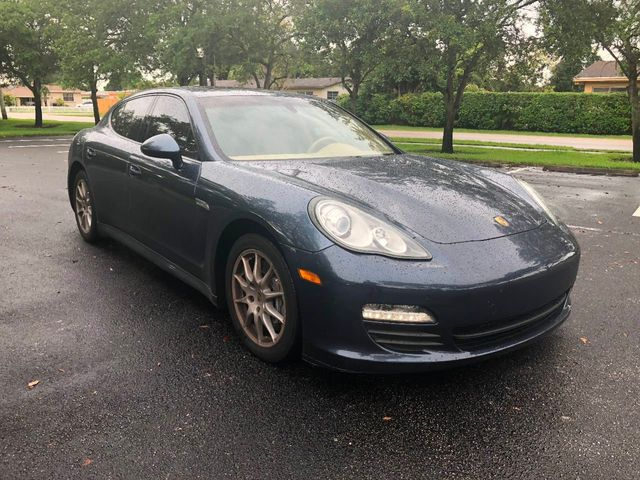 2012 Porsche Panamera  - Click to see full-size photo viewer