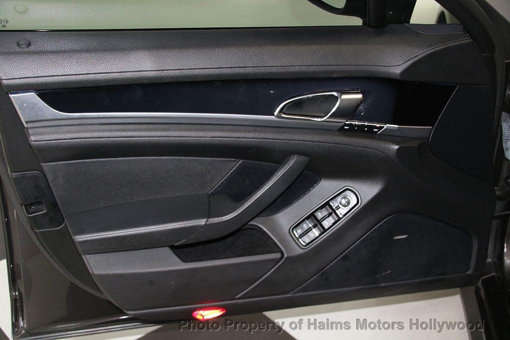 2012 Porsche Panamera 4dr Hatchback S - 17409662 - 10