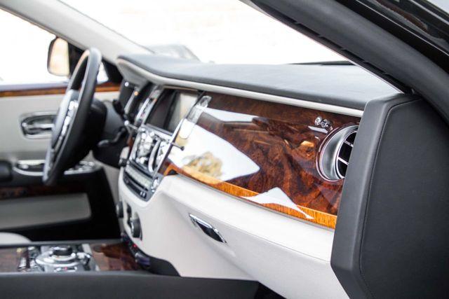2012 Rolls-Royce Ghost 4dr Sedan EWB - 18546185 - 29