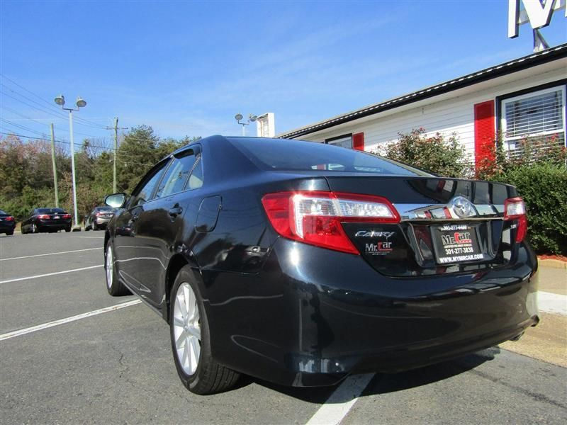 2012 Toyota Camry 4dr Sedan I4 Automatic XLE - 17551102 - 2