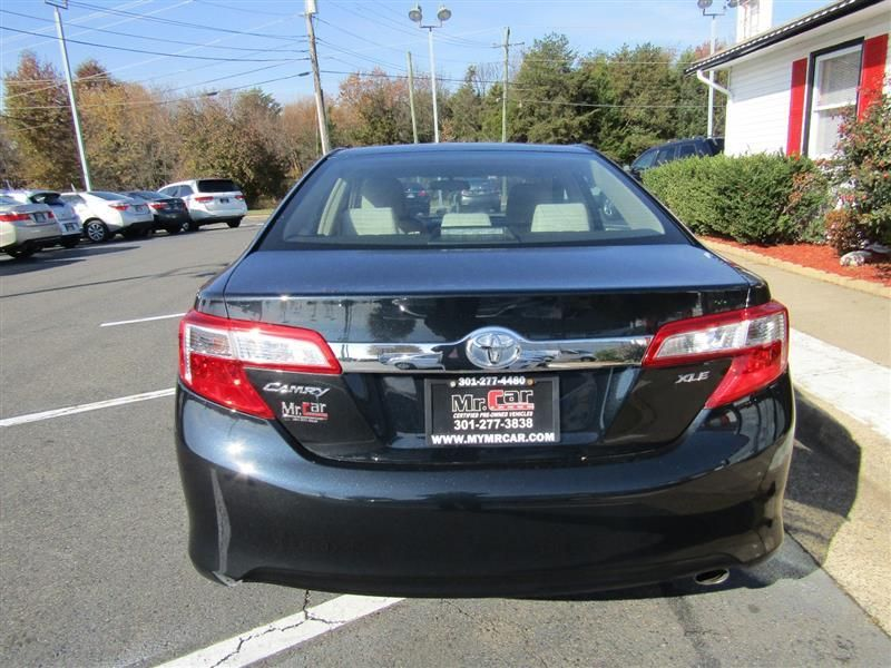 2012 Toyota Camry 4dr Sedan I4 Automatic XLE - 17551102 - 3
