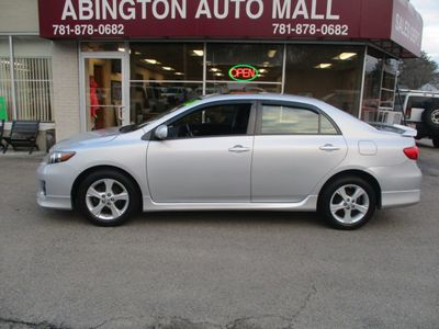 2012 Toyota Corolla 4dr Sedan Manual S