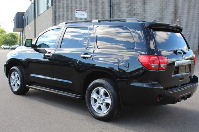 2012 Toyota Sequoia 4WD LIMITED NAVIGATION DVD LEATHER MOONROOF - Click to see full-size photo viewer