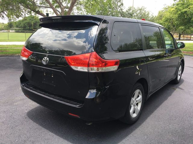 2012 Toyota Sienna 5dr 7-Passenger Van V6 FWD - Click to see full-size photo viewer