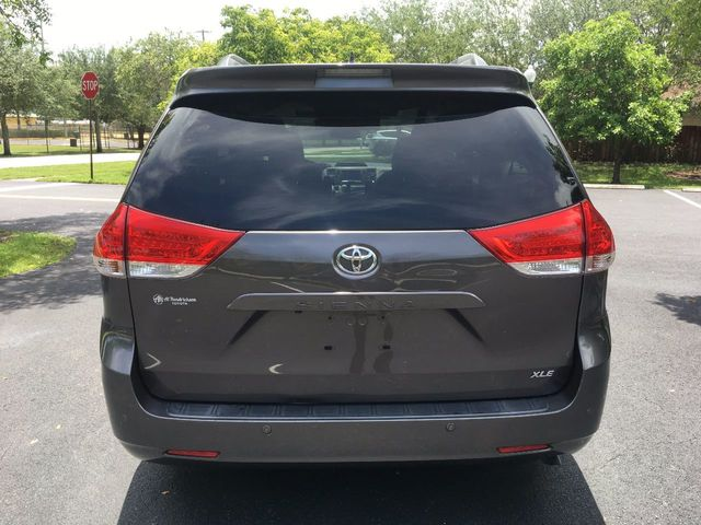2012 Toyota Sienna 5dr 7-Passenger Van V6 XLE AAS FWD - Click to see full-size photo viewer