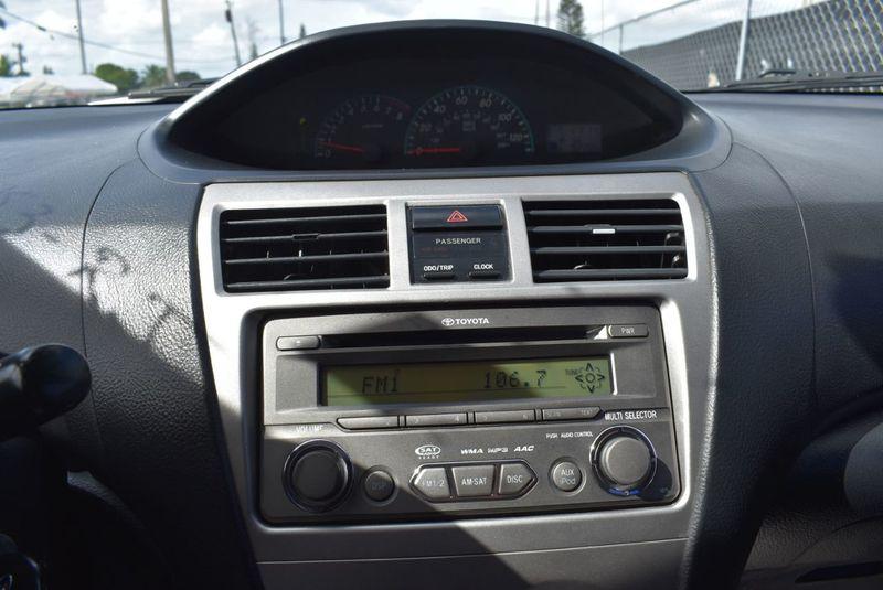 2012 Toyota Yaris 4dr Sdn AutoAuto - 14419898 - 16