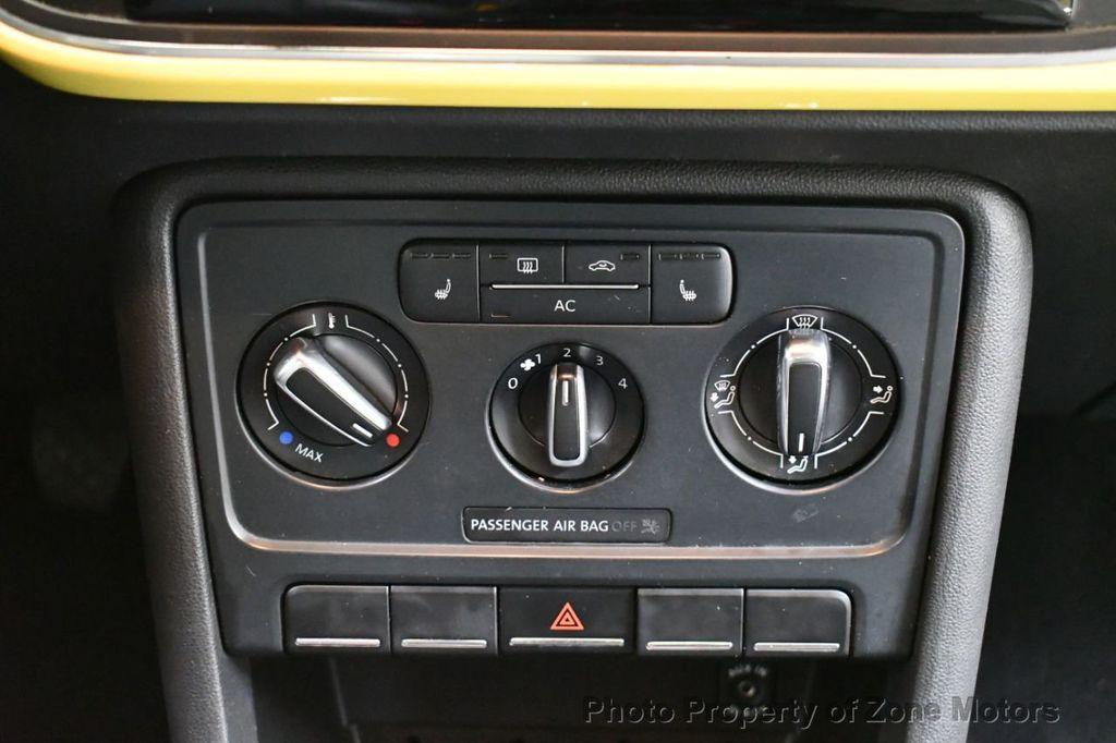 2012 Volkswagen Beetle 2dr Coupe Automatic 2.5L - 18561741 - 14