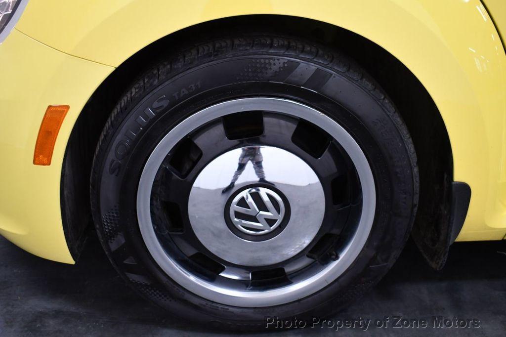 2012 Volkswagen Beetle 2dr Coupe Automatic 2.5L - 18561741 - 24