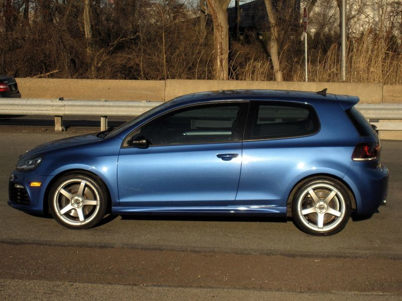 2012 Volkswagen Golf R 2dr Hatchback w/Sunroof & Navi - 19686659 - 5