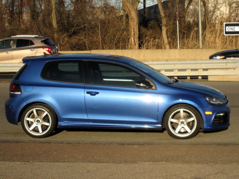2012 Volkswagen Golf R 2dr Hatchback w/Sunroof & Navi - 19686659 - 8