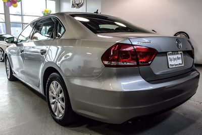 2012 Volkswagen Passat 4dr Sedan 2.5L Automatic S - Click to see full-size photo viewer