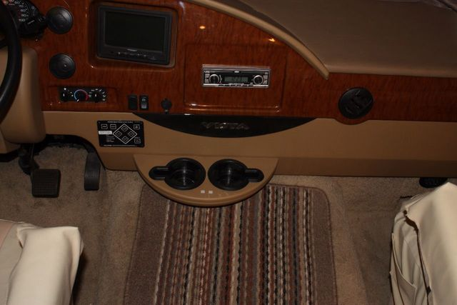 2012 Winnebago VISTA 26P