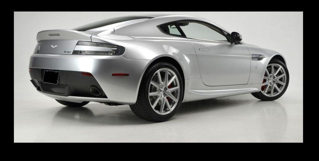 2013 Aston Martin Vantage  - 15452285 - 15