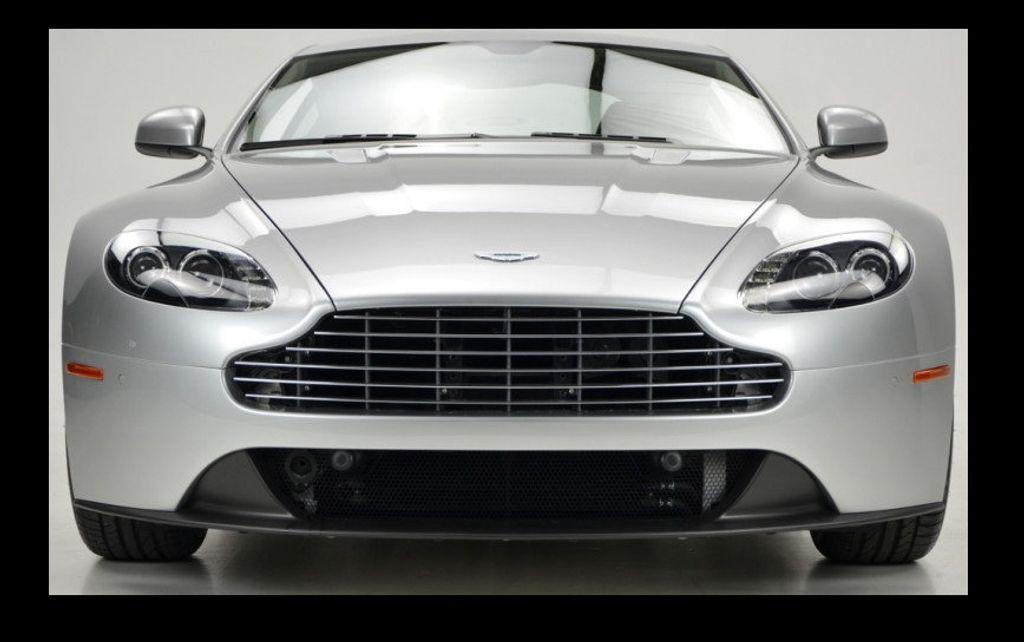 2013 Aston Martin Vantage  - 15452285 - 2