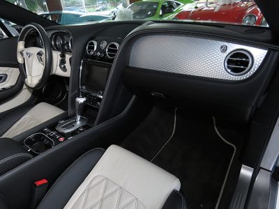 2013 Bentley Continental GT V8 GTC V8 Limited Edition Le Mans Convertible - Click to see full-size photo viewer