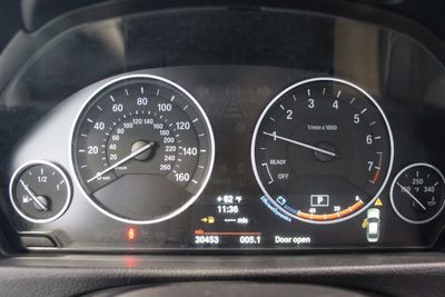 2013 BMW 3 Series 328i - Click to see full-size photo viewer