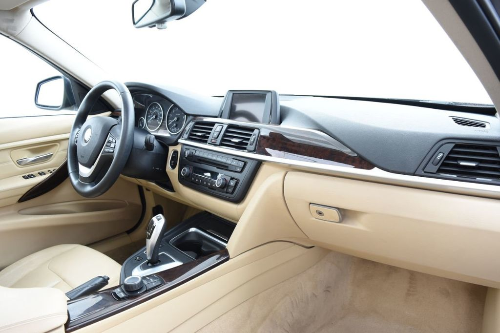 2013 BMW 3 Series 328i xDrive - 18326701 - 24