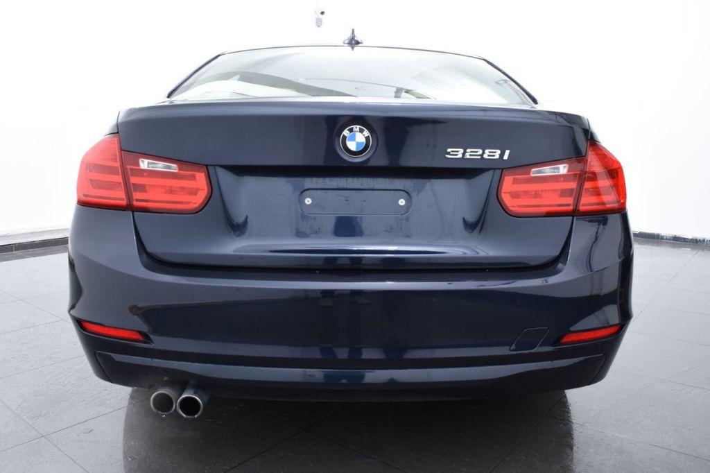 2013 BMW 3 Series 328i xDrive - 18326701 - 3