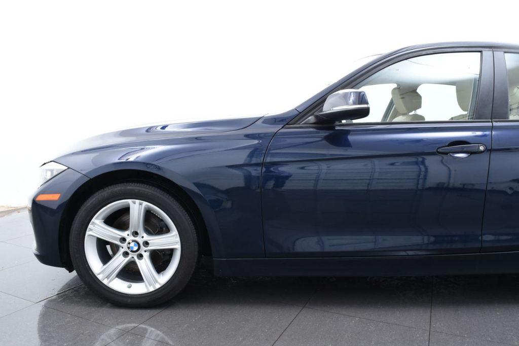 2013 BMW 3 Series 328i xDrive - 18326701 - 4