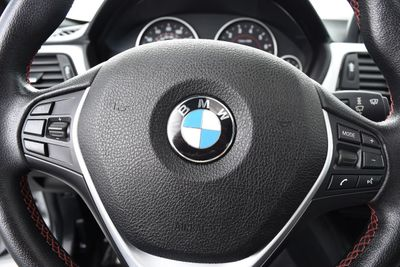 2013 BMW 3 Series 328i xDrive - Click to see full-size photo viewer