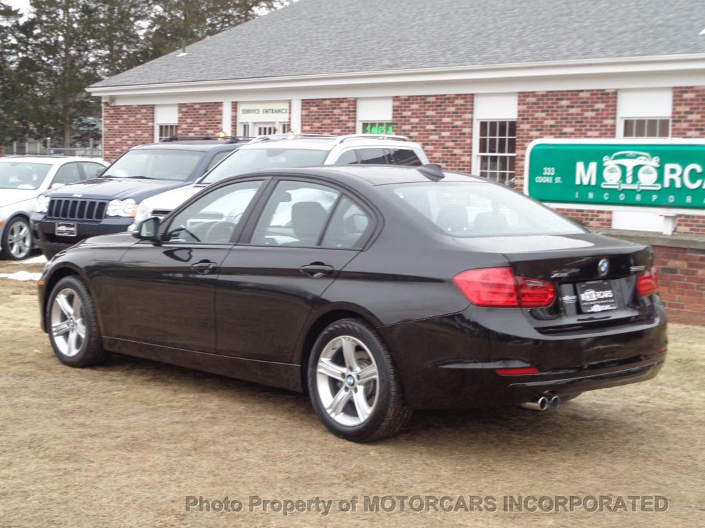 2013 BMW 3 Series ABSOLUTELY PRISTINE W/ NAV, AWD AND BLACK ON BLACK! - 17182310 - 4
