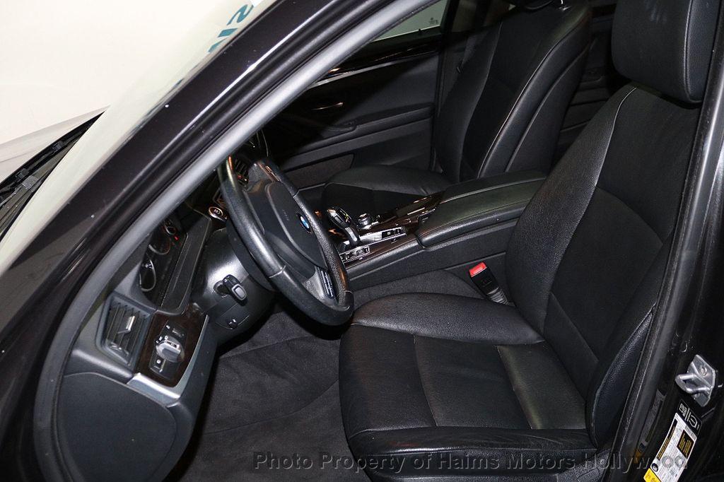 2013 BMW 5 Series 528i - 18581583 - 16