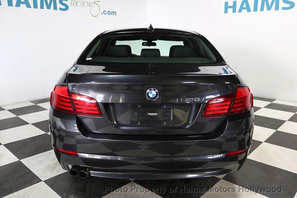 2013 BMW 5 Series 528i - 18581583 - 4