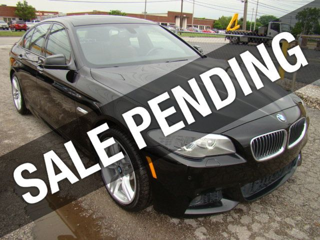 2013 BMW 5 Series 535i xDrive - 17785331 - 0