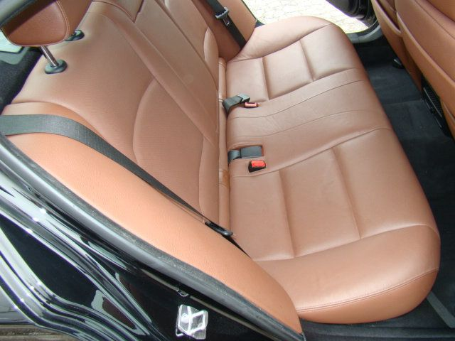 2013 BMW 5 Series 535i xDrive - 17785331 - 35