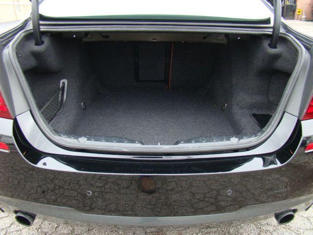 2013 BMW 5 Series 535i xDrive - 17785331 - 37