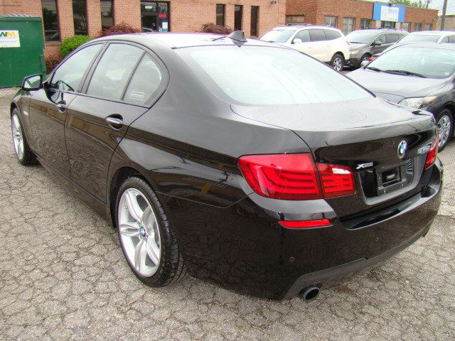 2013 BMW 5 Series 535i xDrive - 17785331 - 41