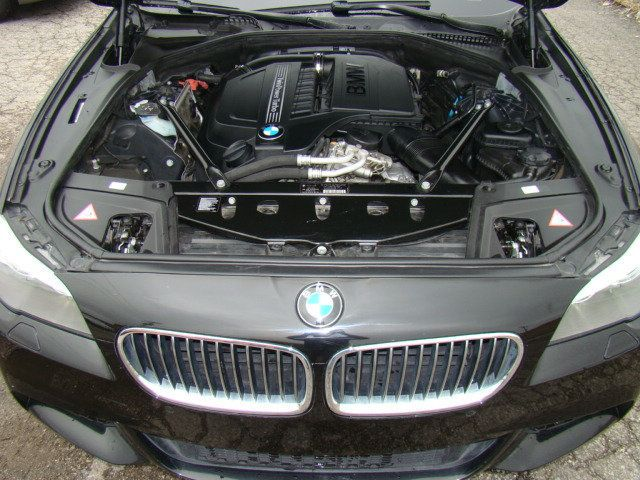 2013 BMW 5 Series 535i xDrive - 17785331 - 46