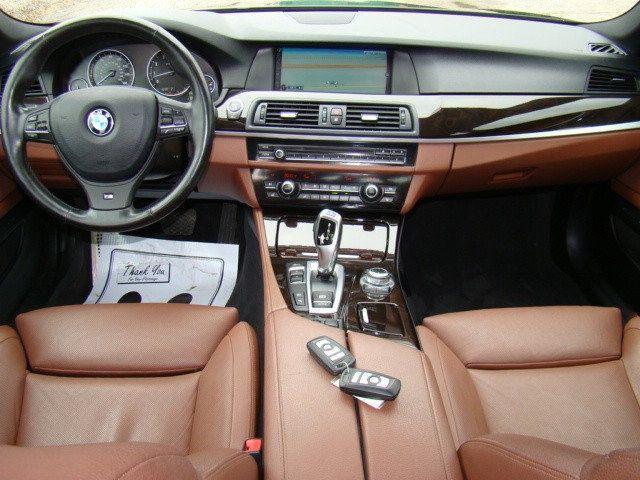 2013 BMW 5 Series 535i xDrive - 17785331 - 6