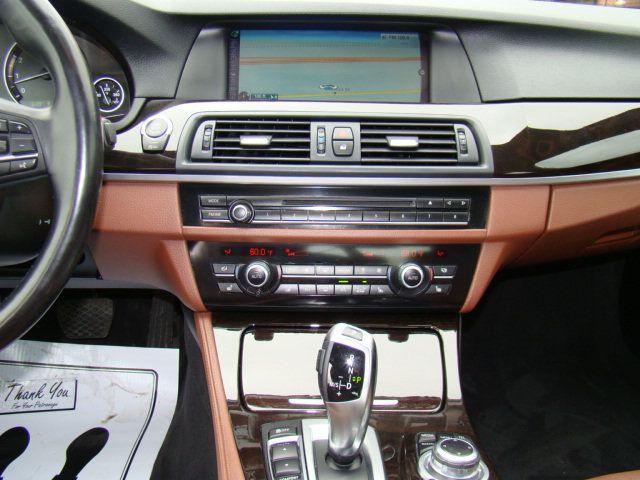 2013 BMW 5 Series 535i xDrive - 17785331 - 7