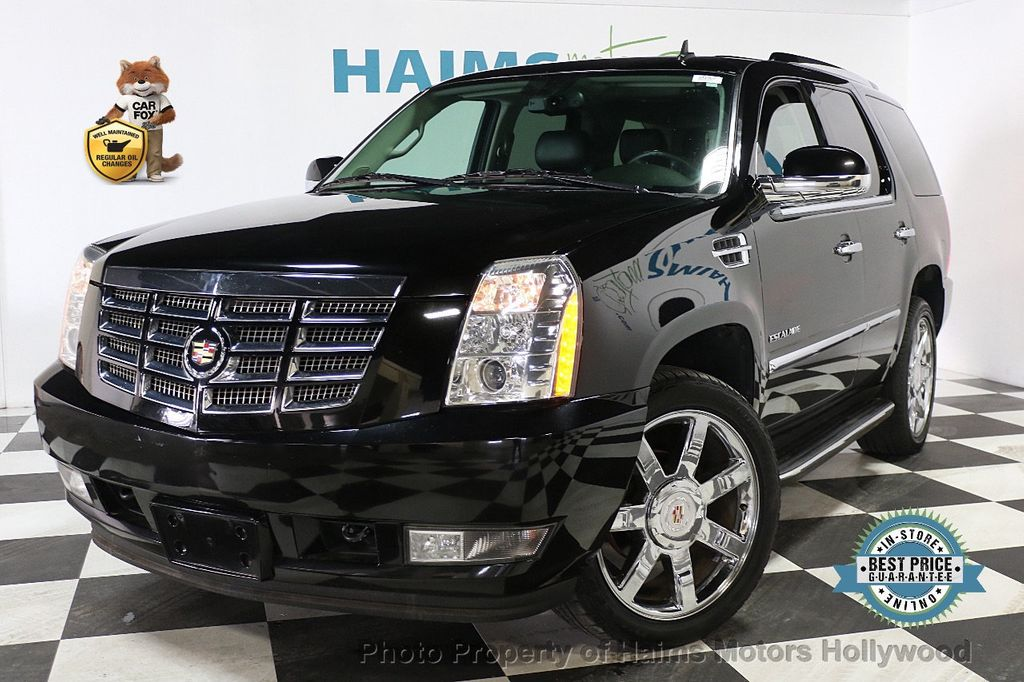 2013 Cadillac Escalade AWD 4dr Luxury - 17789447
