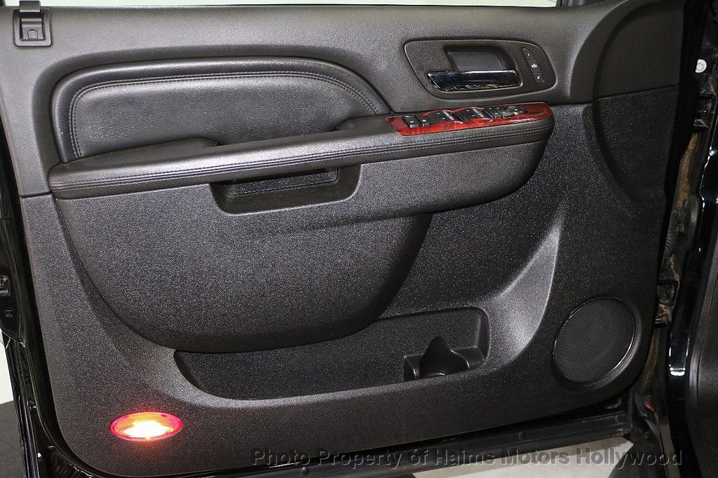 2013 Cadillac Escalade AWD 4dr Luxury - 17789447 - 10
